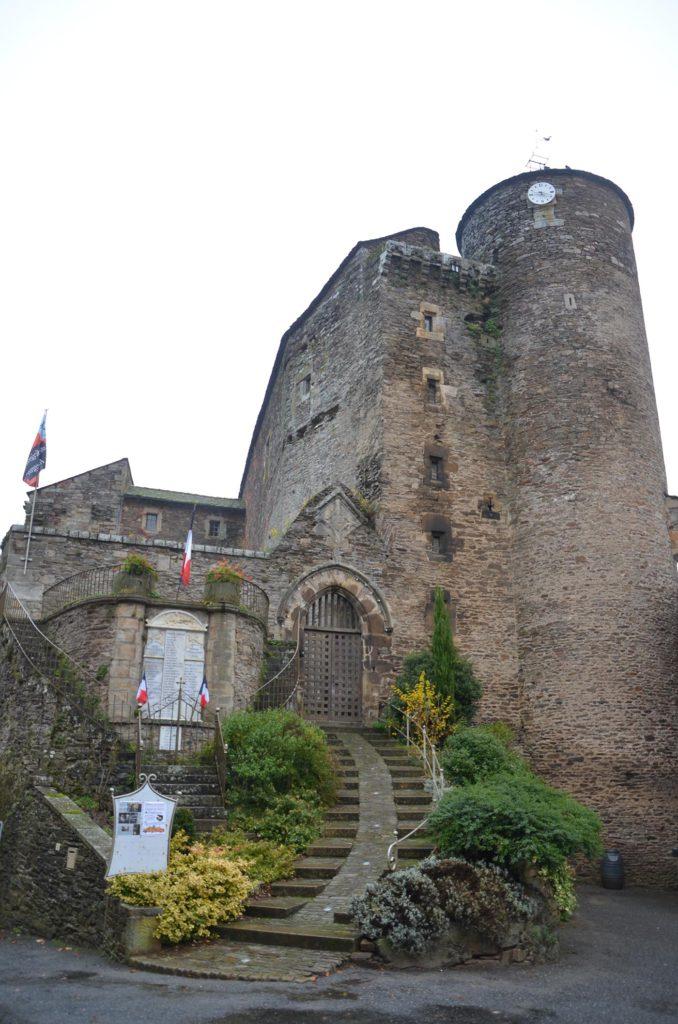 Château de Coupiac à visiter à partir de notre camping dans le Tarn