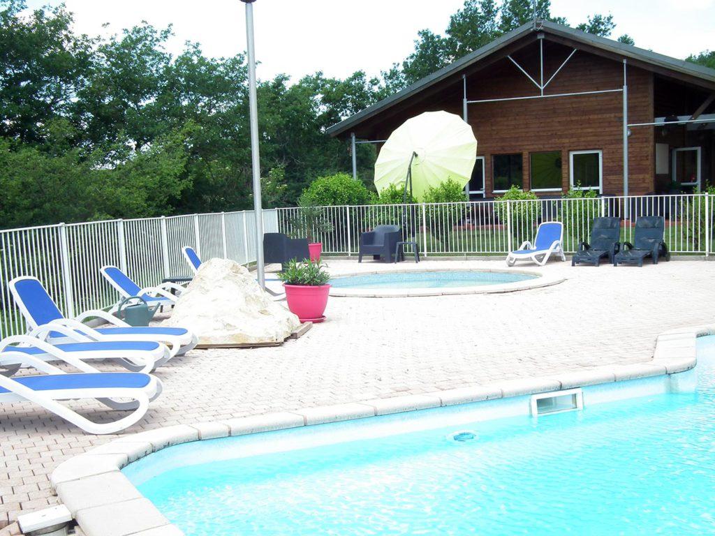 camping avec piscines et espace aquatique tarn. Black Bedroom Furniture Sets. Home Design Ideas