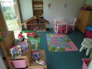 Camping avec salle de jeux pour enfatns