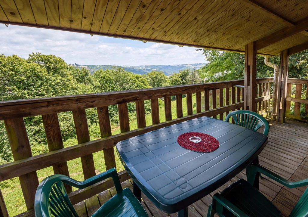 photo camping tarn chalet grand confort terrasse