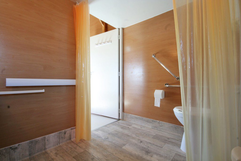 Chalet couple toilettes