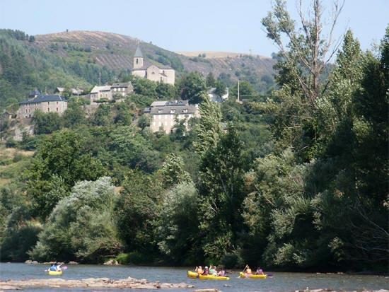 balade en canoe proche du camping dans le Tarn