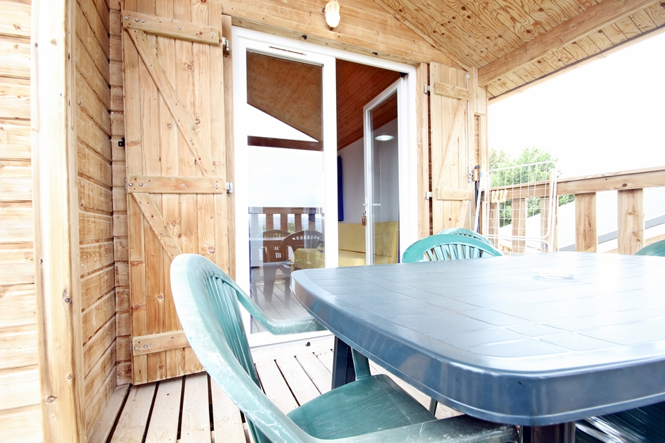 Chalet camping avec terrasse